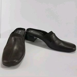 New NWOB NATURALIZER Shoes 9 M Womens Clogs